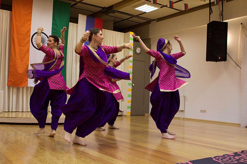 Выступление танцевального коллектива «Amritsar Project». Яркий и темпераментный танец штата Пенджаб «Бхангра»